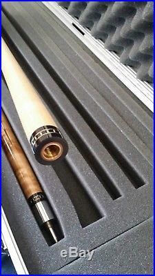 McDermott M7Q6 Pool Cue 19oz 13mm Taper Immaculate Condition with 2x4 Alloy Case