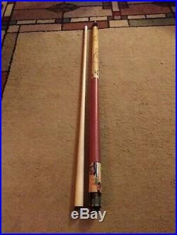 McDermott Pool Cue Tree Frog with Vintage Case