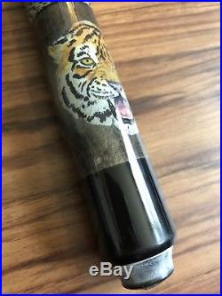 McDermott Pool Cue With Tiger Design