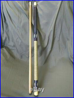 Vintage 2 Piece Purple Cobra Pool Cue with McDermott Carrying Case 1970's